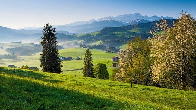 Appenzell Alpine Trail ·May-Oct ·2.5h TR ·2h HT