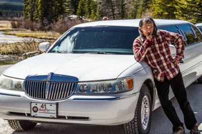 Strike a pose with your limo #luxuryphototour #photo #tour #pose #photography #fun #drinks #wildlife #lakes #mountains