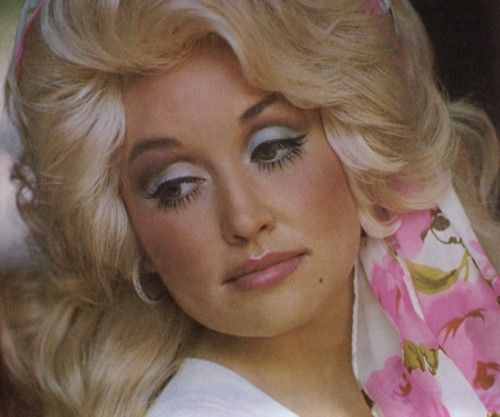 Dolly Parton (photo: officialdollyparton.tumblr.com)