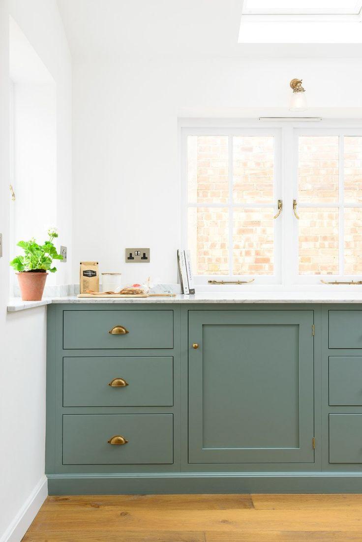 Grønt kjøkken i shakerstil