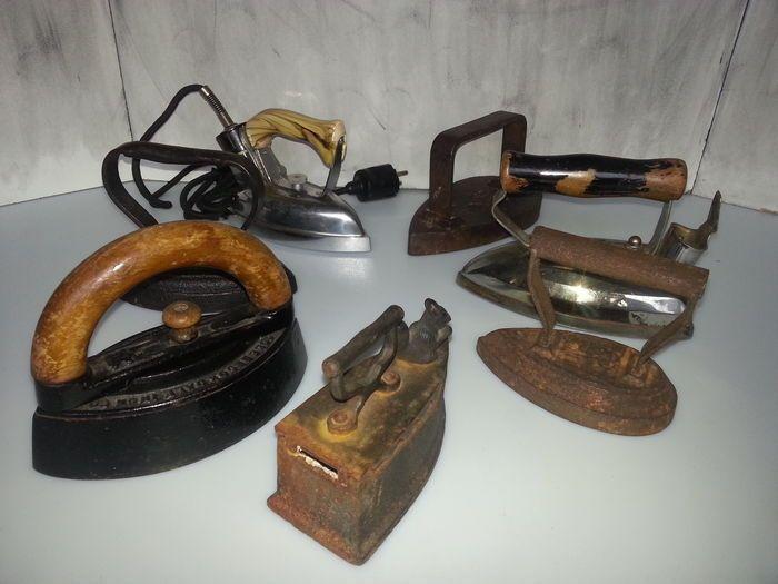 Online veilinghuis Catawiki: 7 antieke strijkijzers