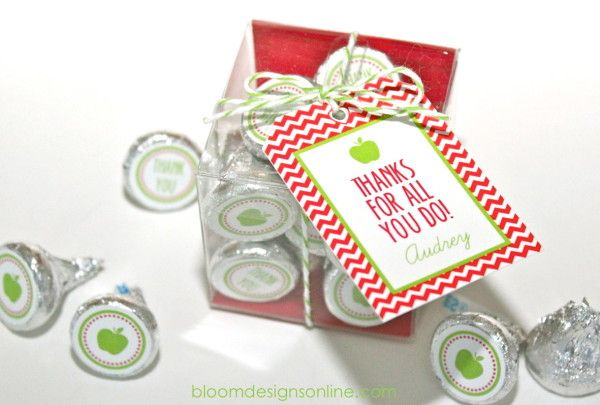 Free printable candy stickers + tags from Bloom Designs: Teacher Appreciation Kisses...also perfect for secretaries, assistants, principals, custodians, or any school worker!