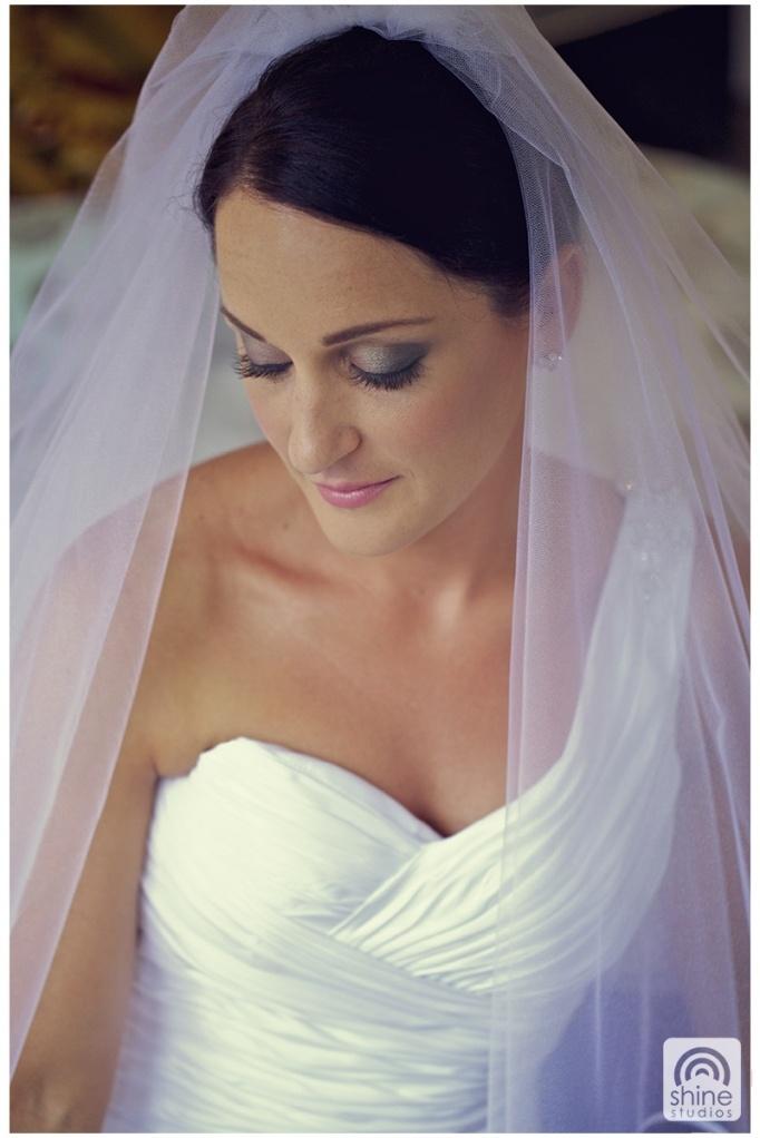 dramatic eye makeup for brides