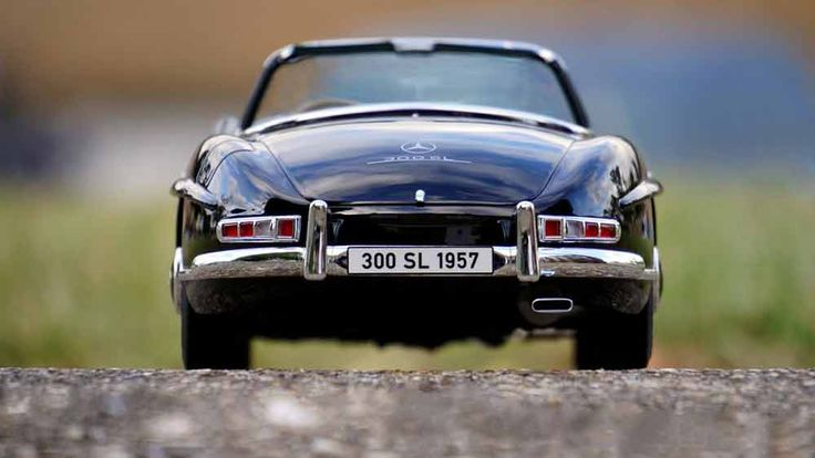 Explore South Africa in a luxury vintage car. Book here https://exploresideways.com/