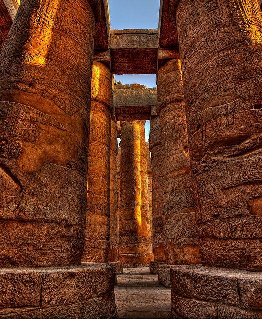 世界遺産 カルナック神殿 古代都市テーベとその墓地遺跡の絶景写真画像 エジプト