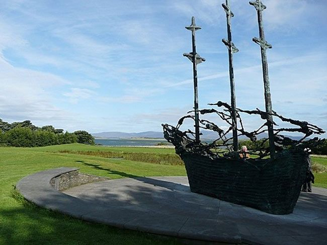In 19th century, Irish families suffered hardships on the sailing ships in their quest for a better life over seas.