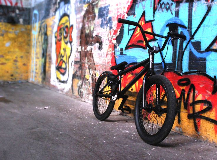 BMX in the street #Graffiti
