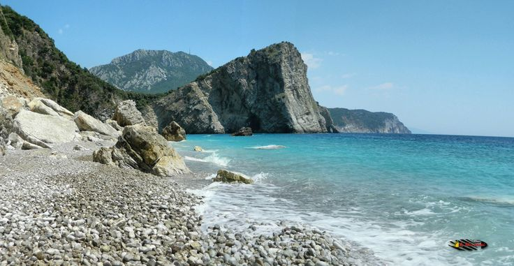 "Fish picnic next to Canj "" Little Zakynthos "", Montenegro, Nikon Coolpix L310, 8.4mm,1/160s,ISO80,f/10.2,+0.7ev,panorama mode:segment 2, HDR photography, 201607071410"