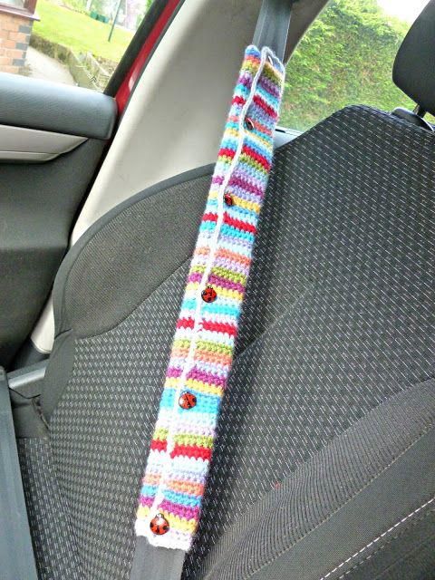 Winwick Mum: Crochet car seat belt cover - free pattern.