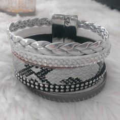 """Bracelet manchette multirang en cuir """"serpent"""" argenté"""