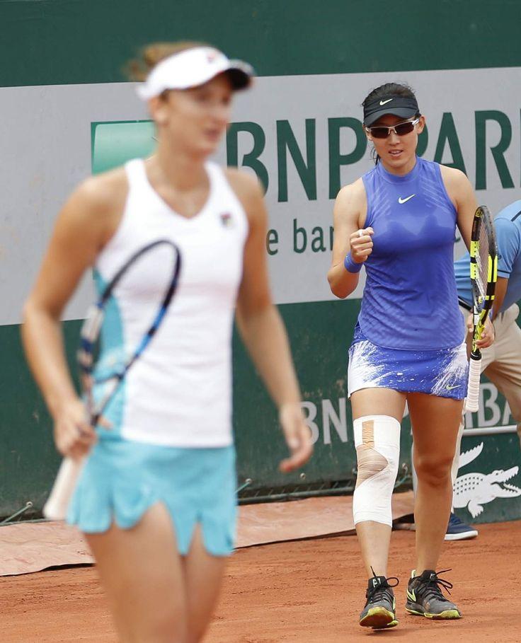 #Sport Zheng Saisai and Irina-Camelia Begu - French Open Tennis Tournament in Roland Garros, Paris 06/03/2017 | Celebrity Uncensored! Read more: http://celxxx.com/2017/06/zheng-saisai-and-irina-camelia-begu-french-open-tennis-tournament-in-roland-garros-paris-06032017/