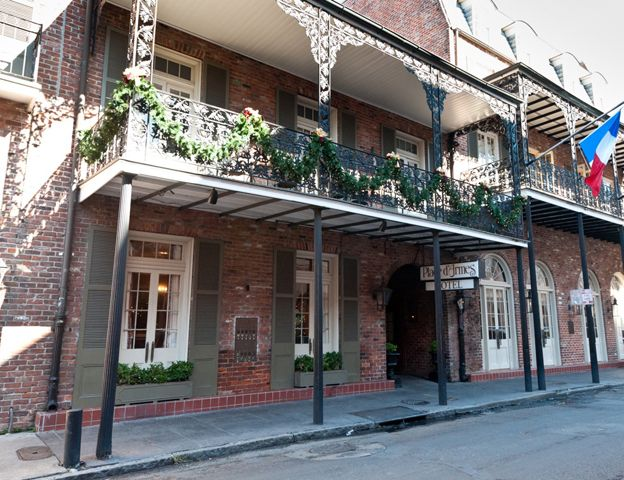 French Market Inn Balcony Room In 2020 New Orleans Hotels