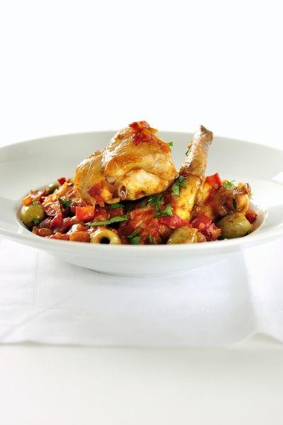 Een overheerlijke gesmoord konijn op z'n mediterraans, die maak je met dit recept. Smakelijk!