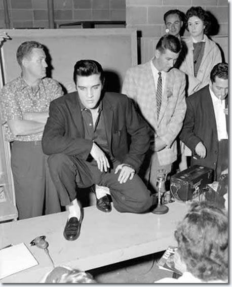 Elvis Presley Vancouver, Canada. Empire Stadium August 31, 1957. Elvis was SUPER COOL!!! :D