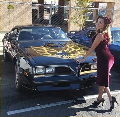 Pontiac Trans Am & Sexy Women 74