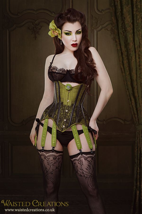 Corset: Waisted Creations. Image: Iberian Black Arts. Model: Threnody in Velvet. MUAH: Threnody in Velvet. Adore this.