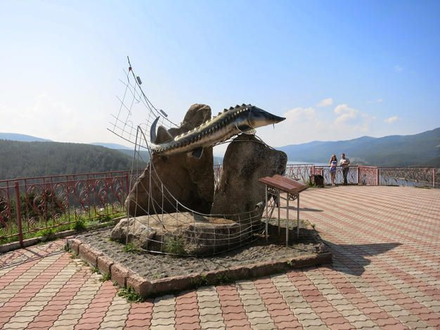 The most stunning view of the Yenisei River in Krasnoyarsk you will get at the, recently renovated, observation platform located on the Krasnoyarsk suburbs. There you will also see the Tsar-Fish statue - a monument, which symbolises he humanity conquering the nature #ExploRussia #Russia #Siberia #Krasnoyarsk #travel #trip #adventure #view #Yenisei