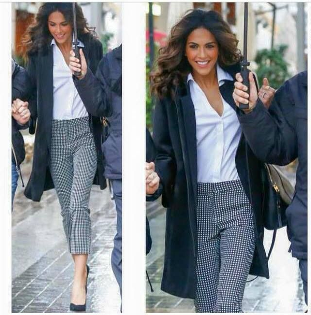 Dress to Impress with Gray Glam Work Outfit for a Rainy Day