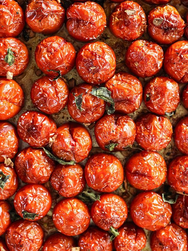 Simple Roasted Tomato Sauce -- Ah, missing summer tomatoes already. This is the…