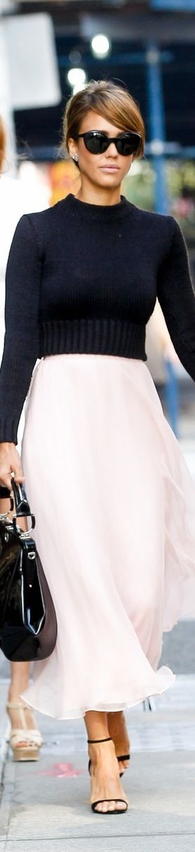 Jessica Alba NYFW- I love how sophisticated, elegant, and simple this is!