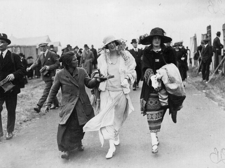 Mendicare ad Ascot, 1923