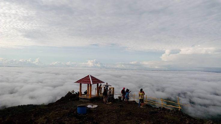 Puncak 4G Negeri Atas Awan di Yogyakarta - Yogyakarta