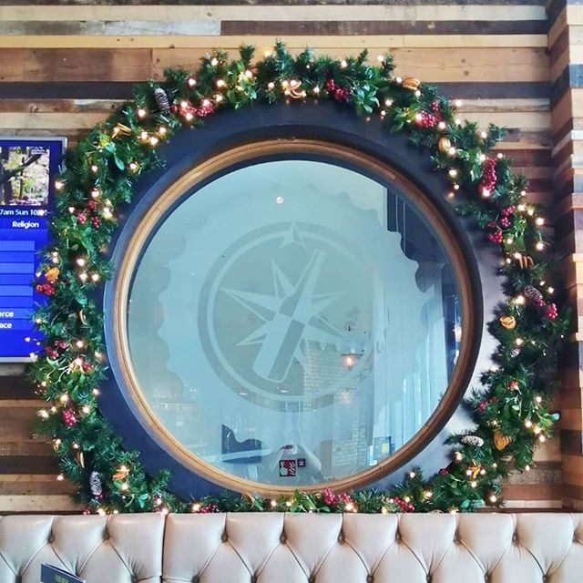 We Ve Been Back At Resorts World In Birmingham Decorating Several Of The Hotel And Restaurant Areas Hotel Decor Restaurant Decor Christmas Decorations