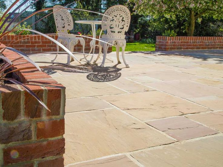 Buff Indian Sandstone patio paving slabs