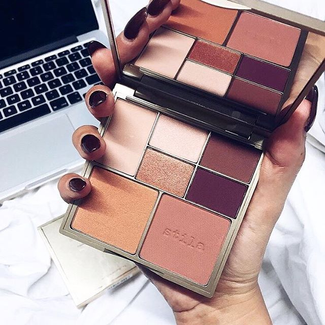 We make Monday look good. Tap link in bio for details on our Perfect Me, Perfect Hue Eye & Cheek Palette.  Image via: @kayleighjcouture  #stilasummer