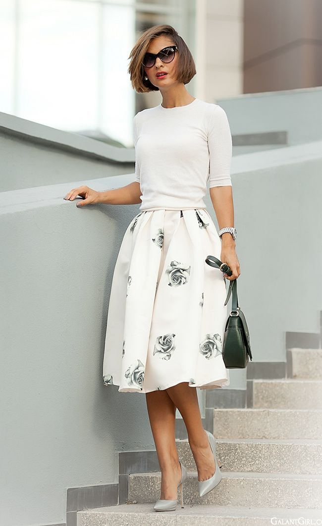 #Modest doesn't mean frumpy. #fashion #style www.ColleenHammond.com - DesignerzCentral