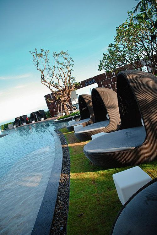Beautiful thailand pattaya hilton hotel landscape with for Rooftop pool design