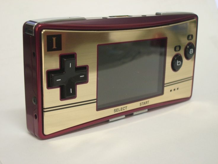 Gameboy Micro Famicom Edition front