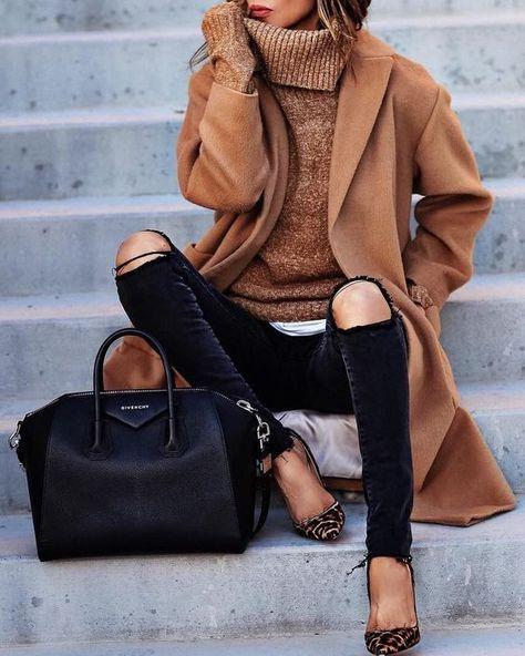 camel cashmere coat / same color turtleneck sweater / black skinny jeans