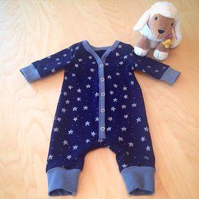 Erstes größeres Nähprojekt erfolgreich abgeschlossen Bin so stolz auf mich #nähen #baby #schlafanzug #sterne #sternchen #babyboy #babyjunge #baby2016 #julibaby2016 #diy #selbstgemacht #selbstgenäht #sterntaler #babylove #ssw26 #26ssw #schwanger #pregnant