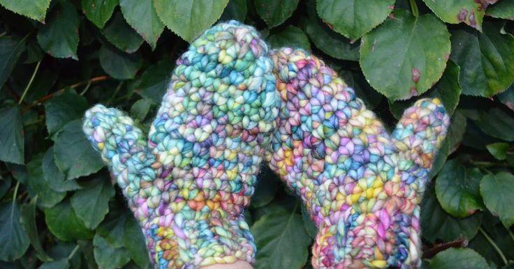 En hier dan zoals beloofd het gratis wantenpatroon!!!   And as promised, hereby the free crochet pattern for the mittens!!!!       Ik haakte...