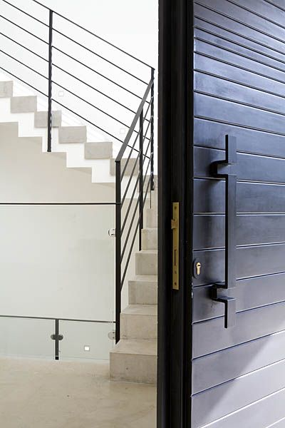 Lev-Gargir Architects / modern residential house #entrance #hallway #stairs #front_door