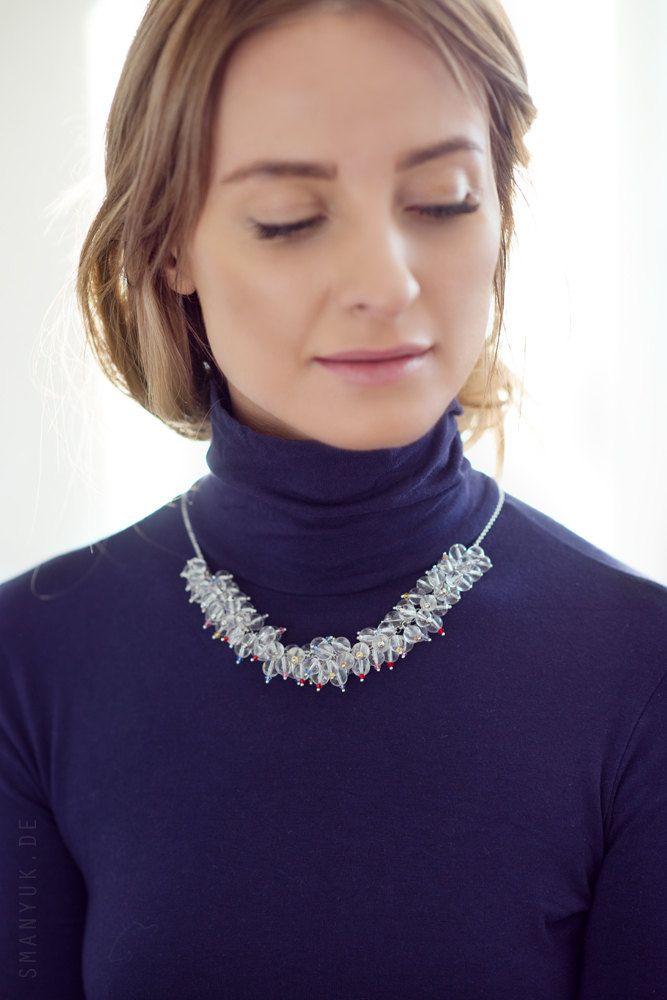 Bergkristall Kette mit winzigen Swarovski Kristallen auf einer Kette aus Edelstahl. Rock Chrystal Necklace with Stainless Still Chain. von FancyFoxJewels auf Etsy