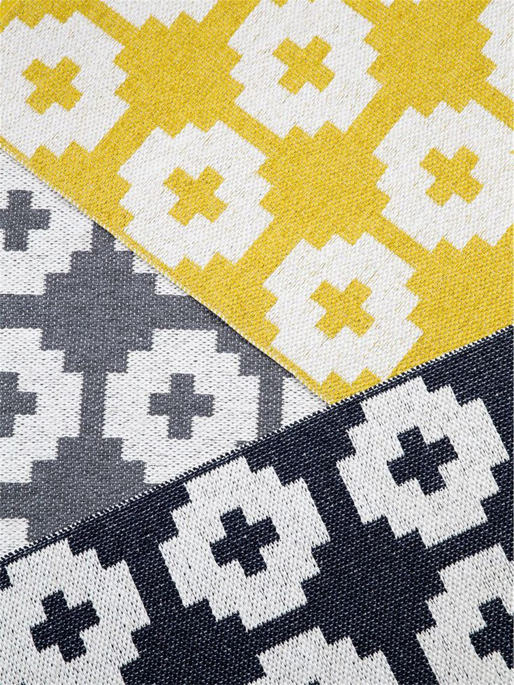 Scandi-Look im Läufer-Format: Dieser Brita Sweaden Läufer wird von einem grafischen Blumen-Muster geziert #benuta #teppich #skandi #interior #rug