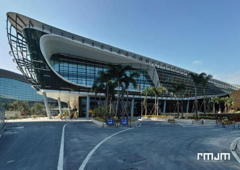 Zhuhai Shizimen Business Cluster & Convention Centre by day  | RMJM