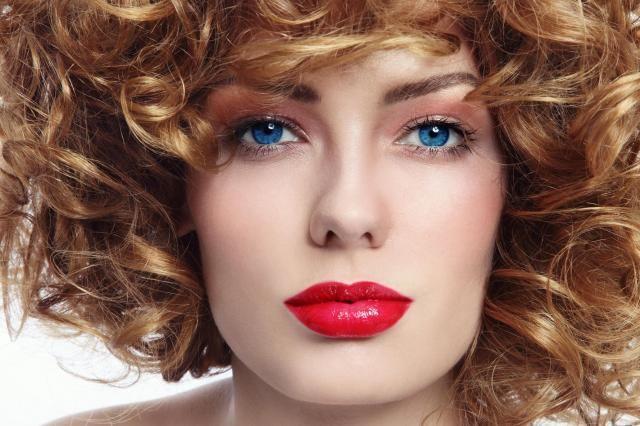 Jak dopasować fryzurę do kształtu twarzy? Proste i skuteczne wskazówki #FRYZURA #DO #KSZTAŁTU #TWARZY #KSZTAŁT #TWARZY