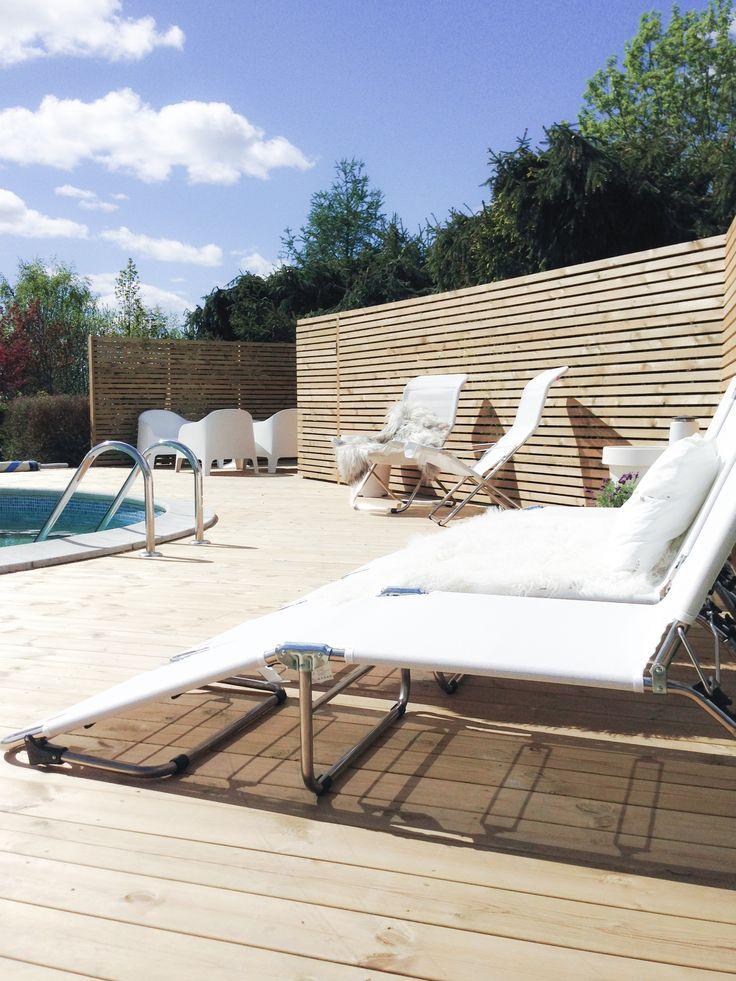 Pool-area @interiorwife (Instagram)