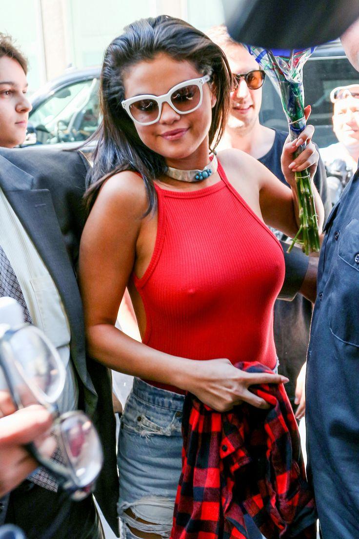 Selena Gomez - She just dont like wearing bras http://ift.tt/2fEp6Sg