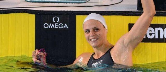Laure Manaudou comes back : l'or pour Manaudou après le record du monde de Camille Muffat. Laure Manaudou est devenue championne d'Europe du 50 m dos, en battant le record de France en 26 sec 78/100e en finale de l'Euro-2012 en petit bassin, samedi à Chartres.