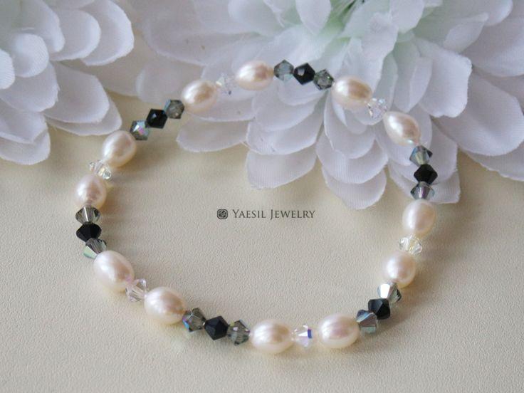 Pearl & Crystal Dainty Bracelet by YaesilJewelry on Etsy