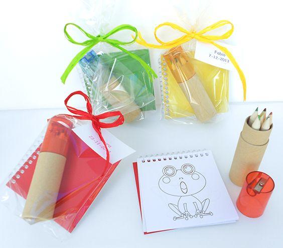 Libreta con plantillas y set lápices con sacapuntas Set de libreta y lápices colores con sacapuntas, muy economico para los peques en las comuniones - 1.30€ : Cosas43, detalles y regalos para los invitados, boda, comunión y bautizo, regalos infantiles