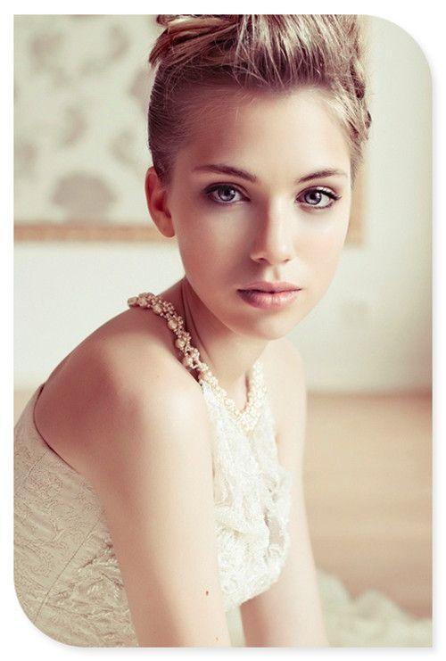 bridal makeup-nude and simple yet elegant