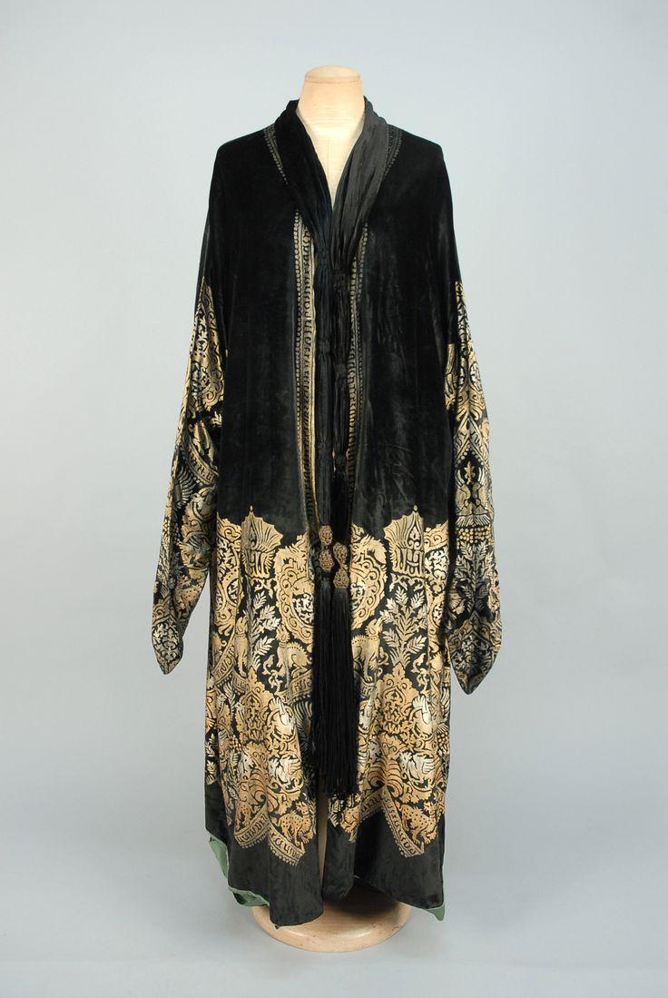 MARIA GALLENGA STENCILED VELVET COAT, 1920s