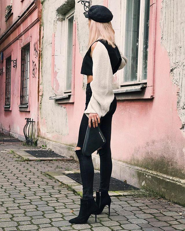 Instagram media by maffashion_official - #ootd @rylko.obuwie #shoes @balenciaga #bag #stradivarius #pants #cos #sweater #isabelmarant #cap SNAPCHAT MAFFASHION