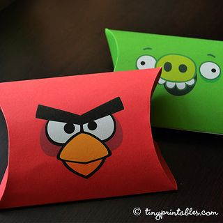Angry Bird vs Pig Party Printables - Favor Boxes - To get your own set of these coolest Angry Birds birthday party invitations, please go to TinyPrintables.com. See you there!