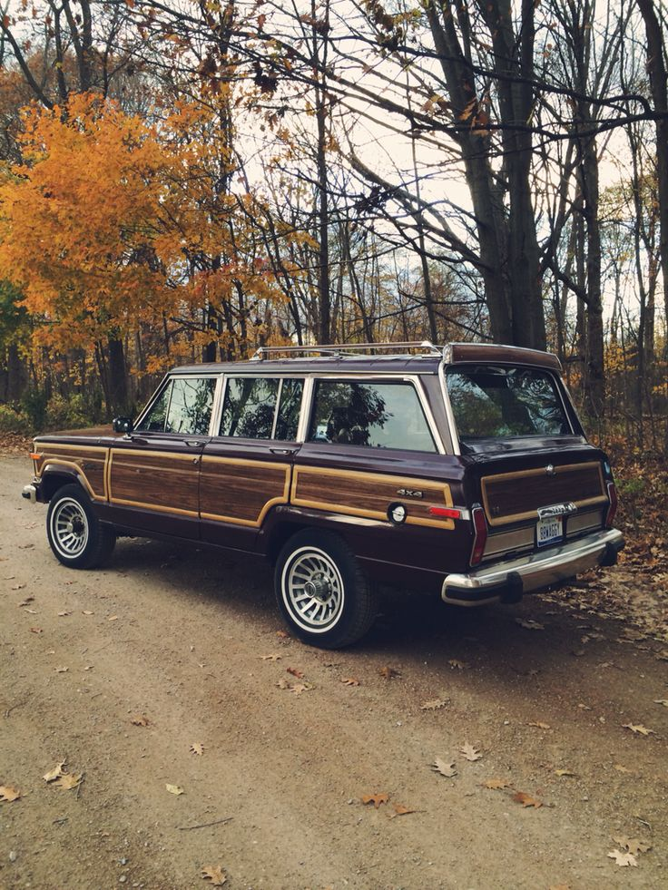 My 1988 Jeep Grand Wagoneer!!